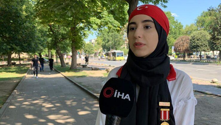 15 Temmuz'un en genç gazisinden hainlere tokat gibi soru: Daha 14 yaşında bir kız çocuğuyla baş edemezken, bu ülkeyi ele geçirmeyi nasıl düşündünüz?