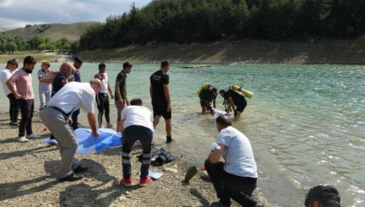 3 çocuğunu kurtarmak için suya giren baba boğularak can verdi