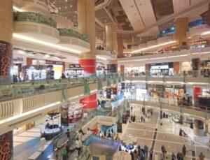 40 yıllık yasak kaldırıldı! Suudi Arabistan, mağazaların namaz vakitlerinde açık kalmasına izin verdi