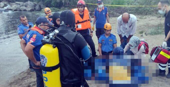 43 yaşındaki adam, hamile eşinin gözü önünde boğuldu