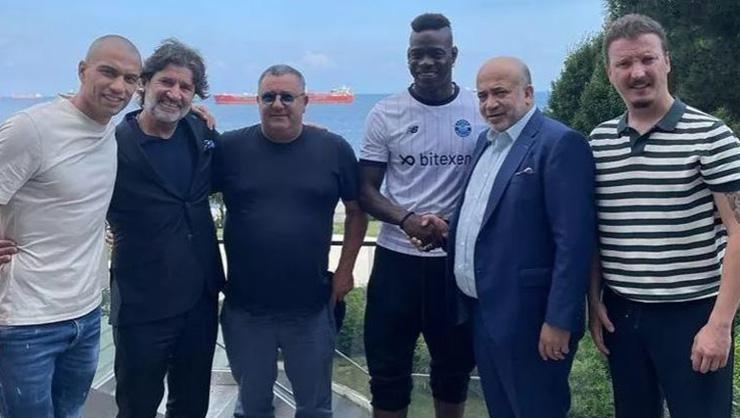 Adana Demirsporda Mario Balotelli, kampa katıldı