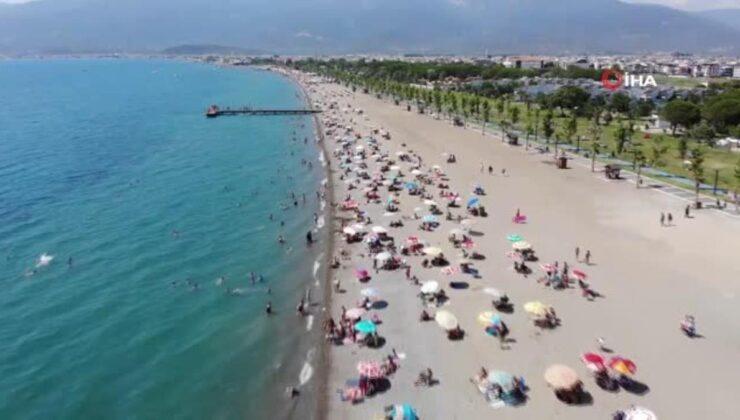 Balıkesir'de sosyal mesafeli plajları havadan böyle görüntülendi