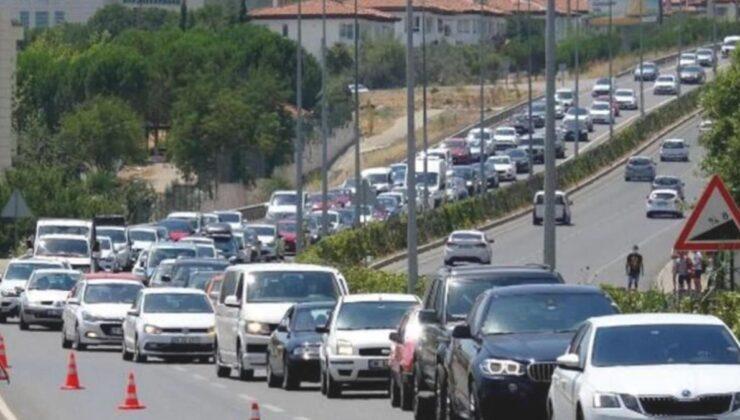 Bayram tatili için vatandaşların akın ettiği Marmaris'te belediye tüm izinleri kaldırdı