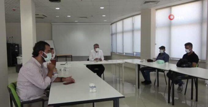 Bingöl İl Sağlık Müdürü Gündoğdu: 'Vaka artışındaki sebep düğün ve taziyeler'-Bingöl İl Sağlık Müdürü Uzm. Dr. Mehmet Emin Gündoğdu;-'Hastanelerde…