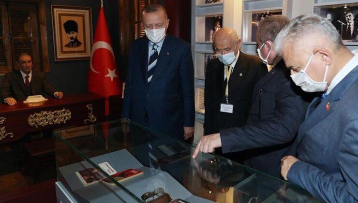 Erdoğan ve Bahçeli, KKTC'de MHP'nin kurucusu Alparslan Türkeş'in doğduğu müze evi gezdi