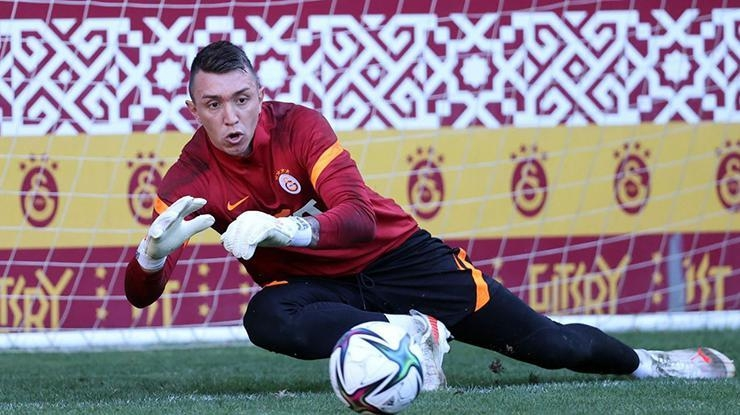 Galatasarayda Muslera takımla birlikte çalıştı