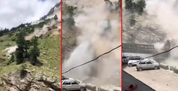 Hindistan'da tepeden düşen kayalar 9 turistin ölümüne neden oldu