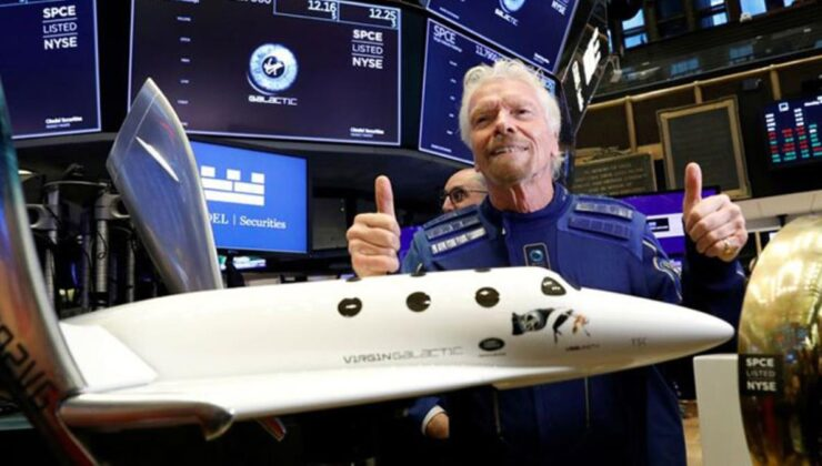 İngiliz iş insanı tarih yazdı! Uzaya ulaşıp dünyaya geri döndü
