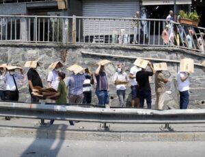 İstanbul'da ucuz baklava kuyruğu! Fiyatını duyan kartonunu alıp sıraya giriyor