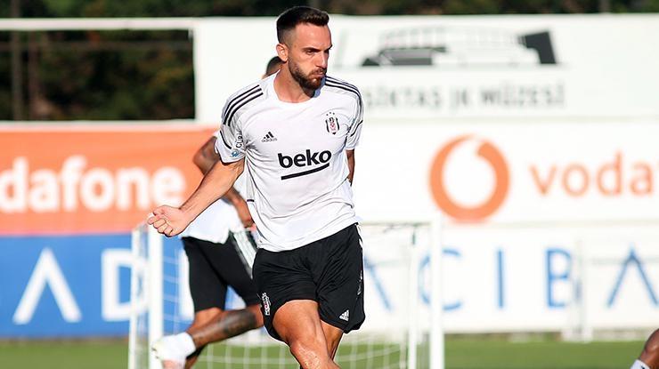 Kenan Karaman Beşiktaşla ilk antrenmanına çıktı