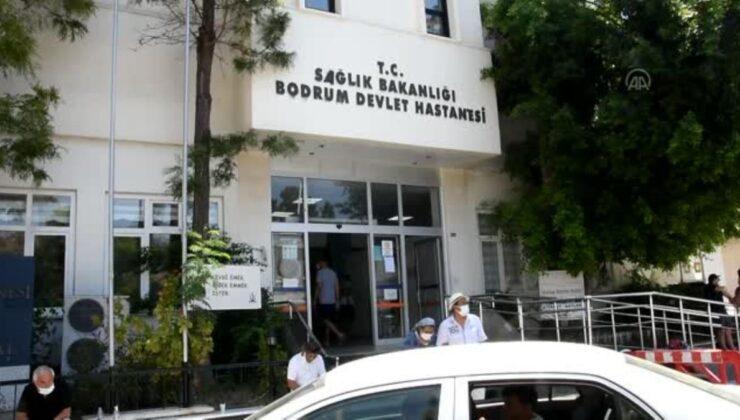 Kovid-19'u yenen 60 yaşındaki hasta alkışlarla taburcu edildi