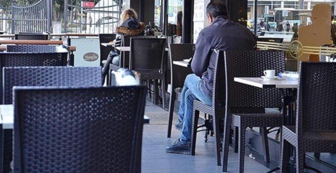 Restoran işletmecileri, müşteri ve sektör çalışanları için aşının zorunlu olmasını talep etti