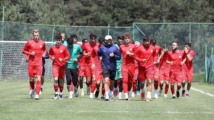 Sivassporun Avrupa Konferans Ligindeki rakibi Petrocub oldu