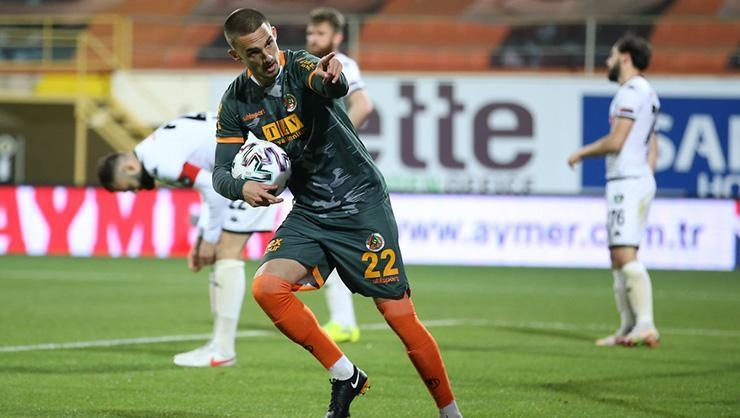 Son dakika… Galatasaray, Berkan Kutlu için Alanyaspor ile anlaştı