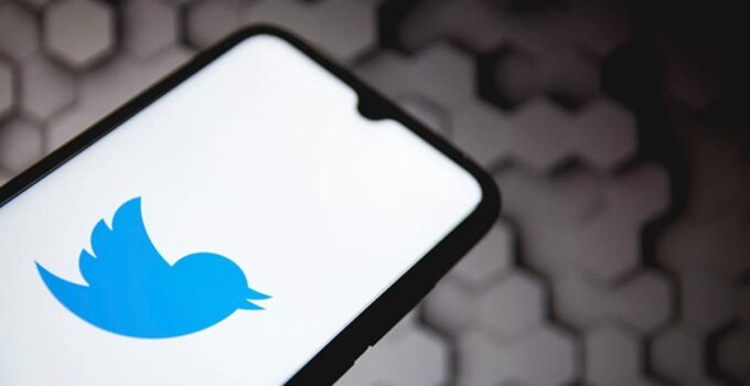 Twitter'da kullanıcıların paylaşımları olumsuz olarak oylayabileceği özellik için testlere başlandı