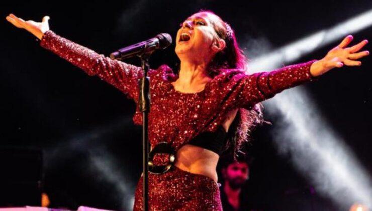 Yeniden sahneye çıkmaya başlayan Yıldız Tilbe, konserinde ara vermeden 2,5 saat şarkı söyledi