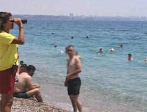 Yüzme bilmeyenlerin inadı, dünyaca ünlü sahilin tek kadın cankurtaranını bezdirdi: Israr edip gidiyorlar