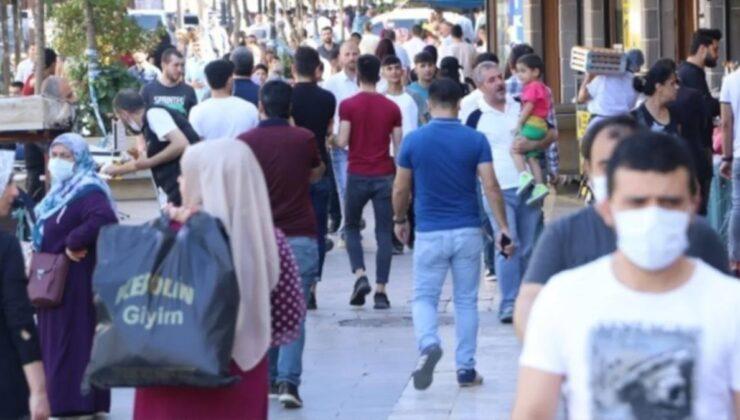 Aşı oranı en düşük iller arasında yer alan Diyarbakır'da hastaneler gençlerle dolup taştı