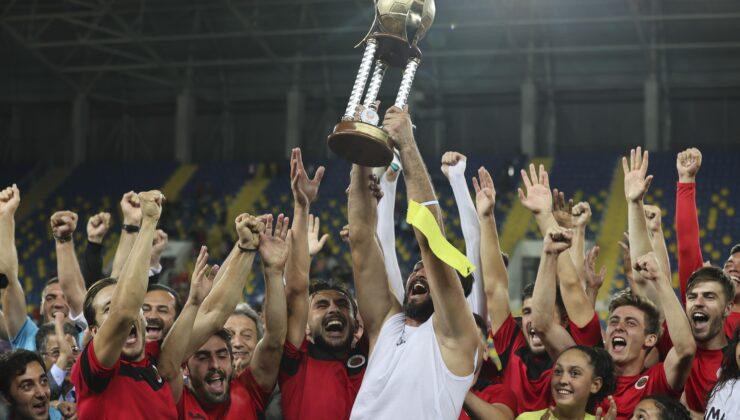 Gençlerbirliği, 54. TSYD Ankara Kupasını törenle aldı