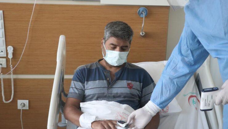 Hastanede Kovid-19 tedavisi görenler aşı olmayı erteledikleri için pişman