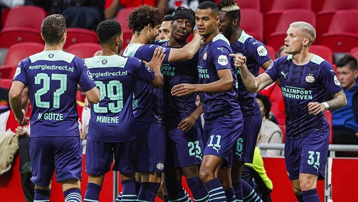 ÖZET   Ajax-PSV Hollanda Süper Kupa maçı: 0-4