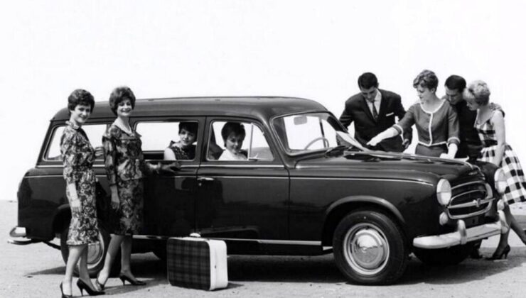 Peugeot'nun 70 yıllık station wagon geleneği 308 SW ile sürüyor