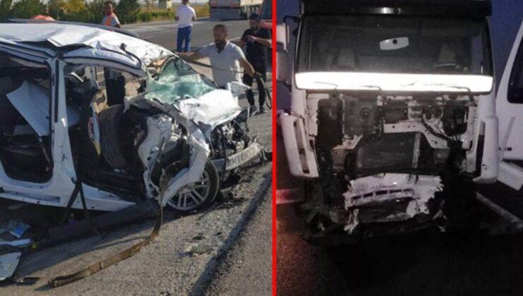 Son dakika! Patlayıcı yüklü tır ile kamyonetin çarpışması sonucu 6 kişi öldü, 2 kişi yaralandı