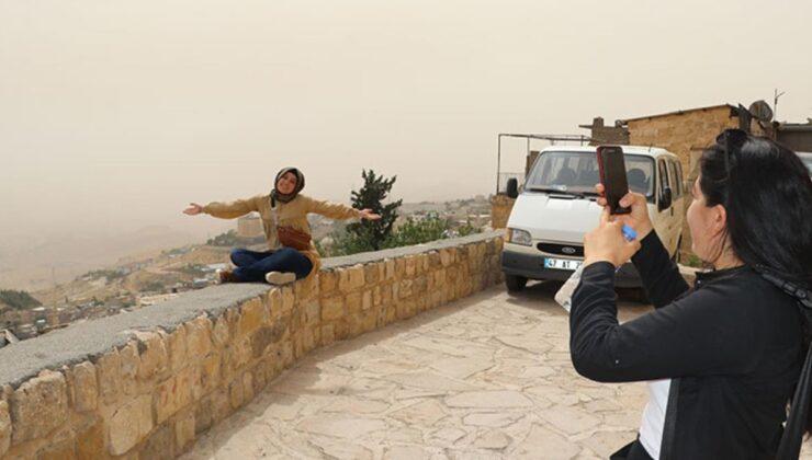 Toz bulutu Suriye'den kuvvetli rüzgarla geldi! Meteoroloji 'Yarın da sürecek' uyarısı yaptı