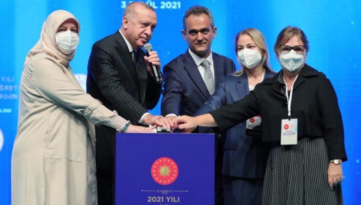Son dakika: 20 bin öğretmenin atamasını gerçekleştiren Cumhurbaşkanı Erdoğan: Okulları açık tutmakta kararlıyız
